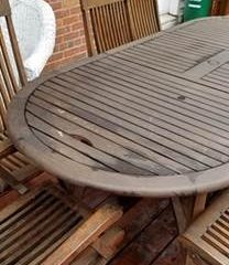 Outdoor wood table - After cleaning