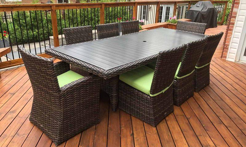 meuble extérieur en rotin-synthétique - table et chaises